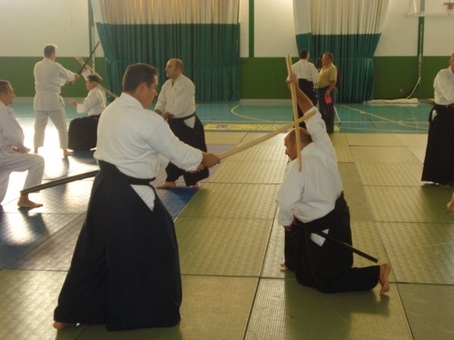 Students Aikido Club refined martial art techniques, Foto 1