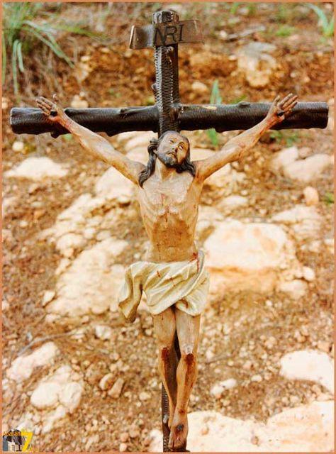 Roban una imagen del Cristo crucificado (obra de Salzillo) en el Santuario de la Virgen del Oro de Abarán - 1, Foto 1