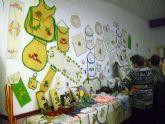 Inaugurada la exposición de manualidades de la Semana Cultural en la barriada Virgen de la Caridad