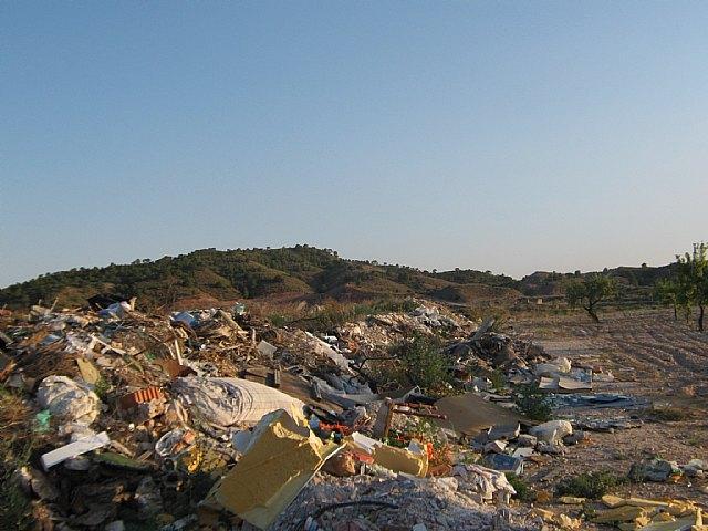 Ecologistas en Acción denuncia un nuevo vertedero ilegal junto al LIC del río Chícamo - 1, Foto 1