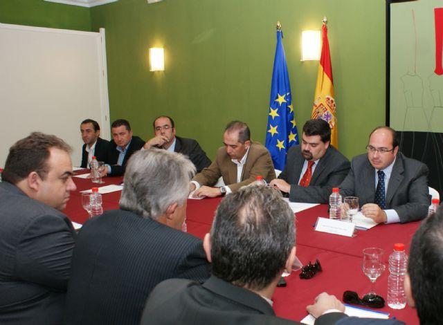 El Alcalde aborda en el Pleno de la Cámara de Comercio las medidas económicas y empresariales para el desarrollo del municipio - 3, Foto 3