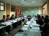 La Comunidad analiza con las empresas del sector químico alianzas para aumentar su competitividad