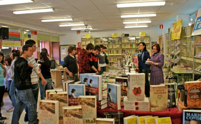 El Instituto Rambla de Nogalte organiza una Feria del Libro en colaboración con las librerías locales - 1, Foto 1
