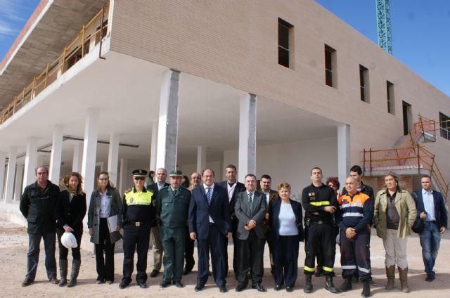 El Alcalde y el Consejero de Justicia visitan la recta final de las obras del nuevo Centro Integral de Seguridad y Emergencias de Puerto Lumbreras - 1, Foto 1