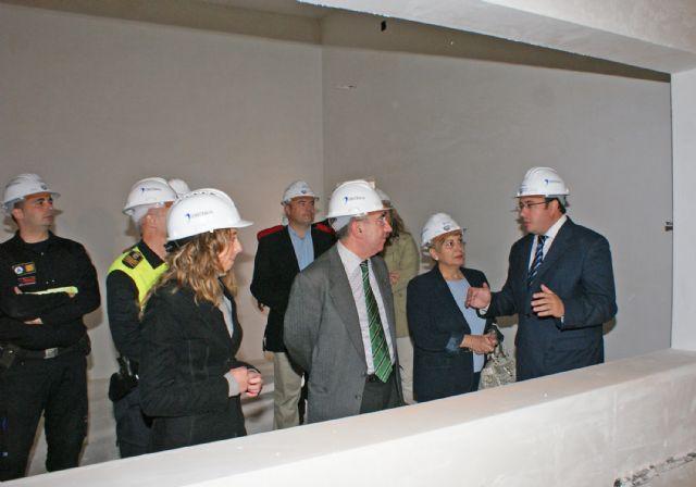El Alcalde y el Consejero de Justicia visitan la recta final de las obras del nuevo Centro Integral de Seguridad y Emergencias de Puerto Lumbreras - 2, Foto 2