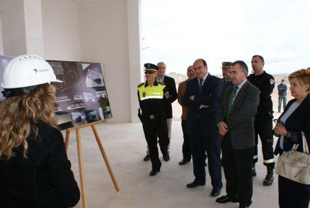El Alcalde y el Consejero de Justicia visitan la recta final de las obras del nuevo Centro Integral de Seguridad y Emergencias de Puerto Lumbreras - 3, Foto 3