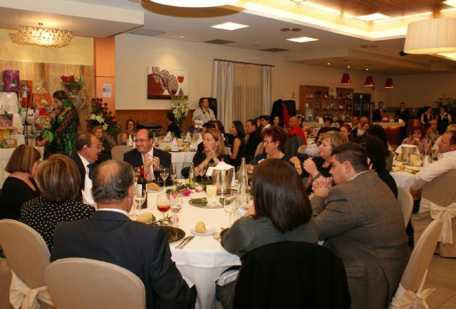 La cena benéfica de la Asociación Contra el Cáncer de Puerto Lumbreras congregó a más de 300 personas - 3, Foto 3