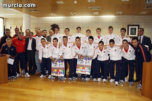 Autoridades municipales realizan una recepción oficial a la Selección Española de Fútbol-Sala sub-21, Foto 1