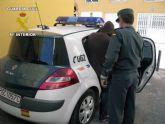 La Guardia Civil sorprende a cinco personas tras sustraer cableado el�ctrico en Mazarr�n