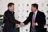 El alcalde firma un nuevo proyecto de urbanizaci�n para el municipio