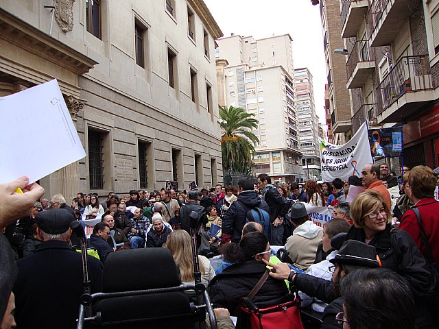 MIFITO participó en la concentración en San Esteban contra los recortes de subvenciones de la Comunidad Autónoma - 2, Foto 2