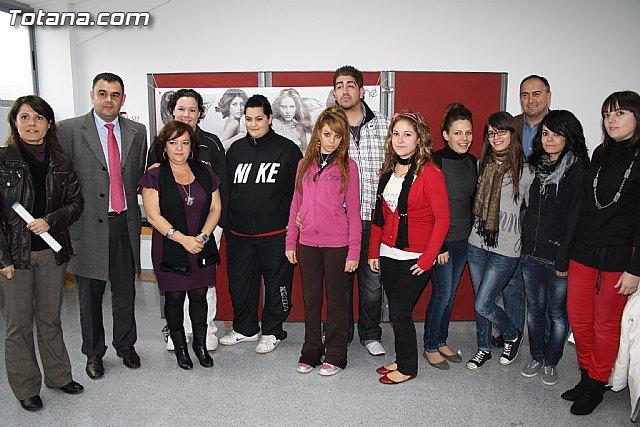 Visita a los alumnos de diversos cursos que se imparten en el Centro de Desarrollo Local - 2, Foto 2
