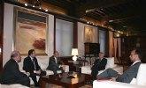 El jefe del Ejecutivo murciano recibe a Philippe Enaud, consejero delegado de la empresa Dalkia España