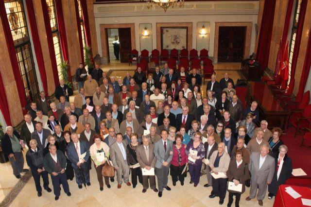 El Ayuntamiento garantiza a los 32.000 socios de los 76 centros de mayores el mantenimiento de sus subvenciones y ayudas - 1, Foto 1
