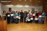 Entrega de diplomas de los cursos de salud para mujeres inmigrantes y de cuidados de personas dependientes