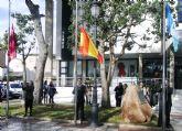 El alcalde llama al espíritu de la Constitución y los Pactos de la Moncloa para hacer frente a la crisis