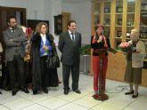 El alcalde inaugura el rastrillo solidario de la Asociación de Amas de Casa en beneficio de Afacmur