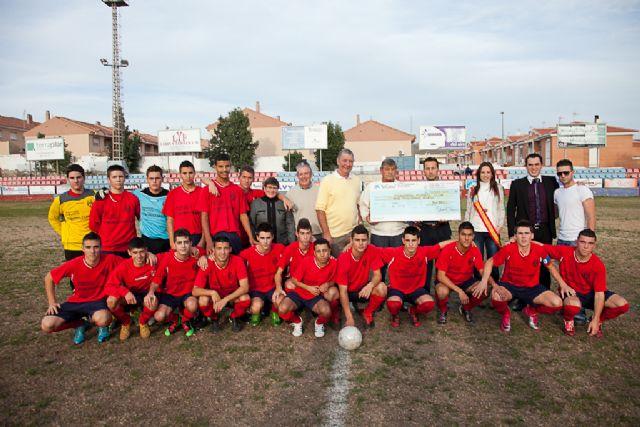 Los juveniles del Mazarrón Club de Fútbol celebran su partido más simbólico, Foto 2