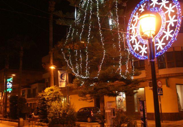 Las luces de Navidad ya iluminan el centro urbano de Puerto Lumbreras con iluminación tipo lead para favorecer el ahorro energético - 2, Foto 2