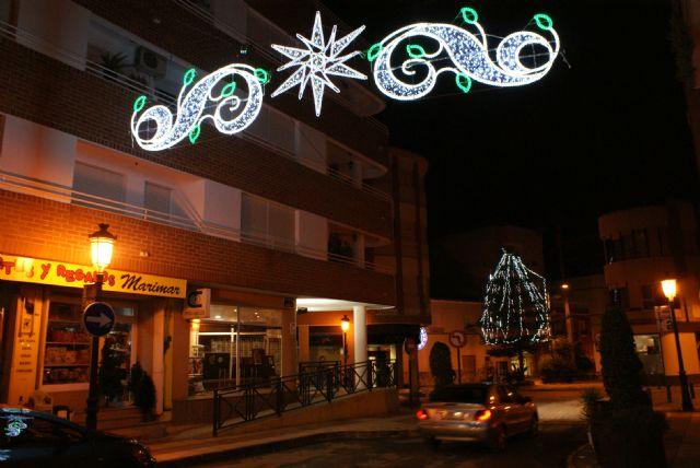 Las luces de Navidad ya iluminan el centro urbano de Puerto Lumbreras con iluminación tipo lead para favorecer el ahorro energético - 3, Foto 3