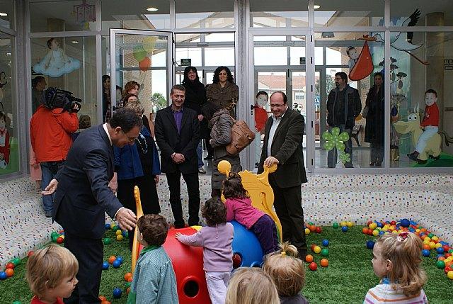 Inaugurado el nuevo Centro de Atención Infantil que ofrece 82 nuevas plazas en la pedanía lumbrerense La Estación- Esparragal - 2, Foto 2