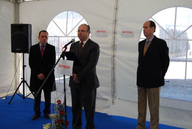 El alcalde de Alhama asiste a la ampliación Befesa, empresa del Parque Industrial de Alhama, Foto 1