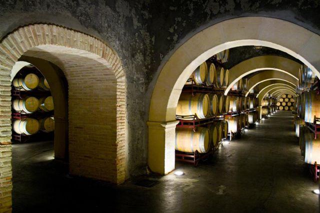 La prestigiosa revista norteamericana Wine Enthusiast elige un vino de Bodegas Luzón como la mejor compra 2010, Foto 1