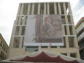 Trece edificios se visten con cuadros de Gaya para rendirle  homenaje en el centenario de su nacimiento
