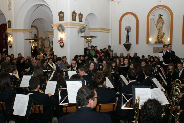 La Banda Municipal de Música de Puerto Lumbreras y el grupo de Coros y Danzas Virgen del Rosario celebraron el tradicional 'Concierto de Navidad' - 2, Foto 2