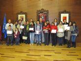 Los comercios de La Unión son premiados en el III concurso de escaparates navideños