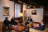 Valcárcel recibe a los alcaldes de Mula y Albudeite
