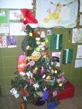 Quince centros escolares de la Región intercambian adornos navideños con colegios de la Unión Europea