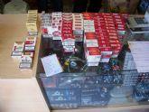 Requisan gran cantidad de tabaco que era vendido sin autorización en un local de alimentación regentado por ciudadanos chinos