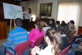 Estudiantes de Geografía e Historia, interesados en conocer el desarrollo del municipio de Fuente Álamo