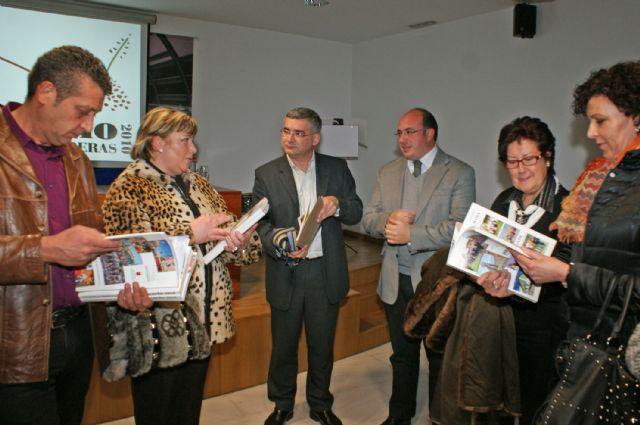 Puerto Lumbreras presenta su Anuario 2010 que resume el año a través de más de un millar de fotografías - 1, Foto 1