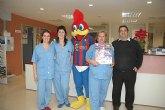 La PB Totana reparte regalos a mas de 100 niños en el hospital Virgen de la Arrixaca de Murcia