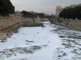 IU-Verdes pregunta si la presencia de espuma en el río Segura se debe a un vertido contaminante