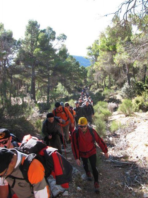 El pasado domingo el club senderista de Totana celebró su ruta más entrañable: La Subida al Morrón de Espuña, Foto 1