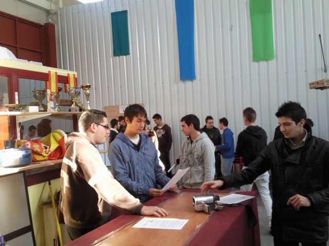 El Presidente de JOVAL se da un baño de masas con los jóvenes de Alguazas - 1, Foto 1
