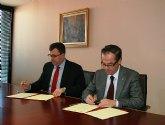 Ballesta entrega al alcalde el estudio informativo de la autovía Santomera-Zeneta