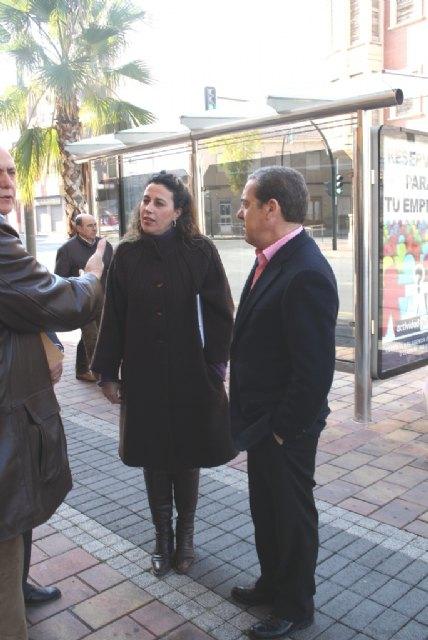 Obras Públicas financia la instalación de nuevas marquesinas para mejorar la calidad del transporte público en Alcantarilla - 1, Foto 1