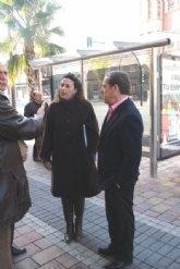 Obras Públicas financia la instalación de nuevas marquesinas para mejorar la calidad del transporte público en Alcantarilla