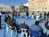 Usuarios del Centro de Estancias Diurnas y niños de la Escuela Infantil se divierten juntos