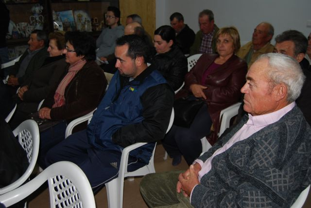 The government team on municipal actions to the residents of the hamlet of Raiguero, Foto 3