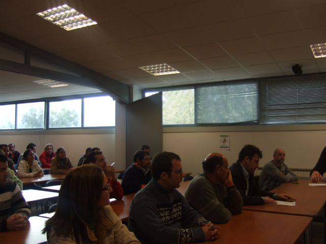 """Nearly fifty people present at the screening test of the course """"Basic maintenance of buildings"""""""