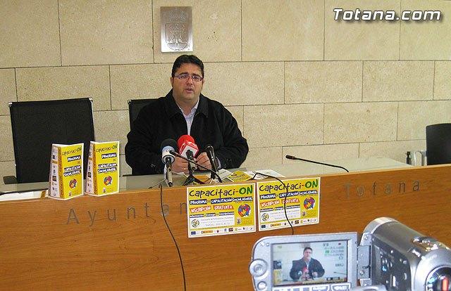 Citizen launches free training courses