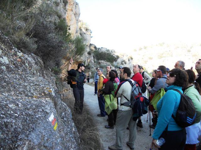 Cincuenta senderistas estrenan, de la mano de la concejalía de Deportes, el sendero PR-MU-69 - 4, Foto 4