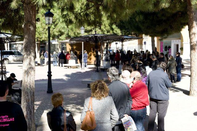 Colas para comprar la entrada del Concurso de Chirigotas - 3, Foto 3