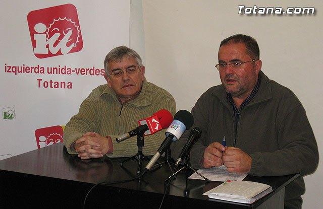 Rueda de prensa IU Totana 03/03/2011, Foto 1