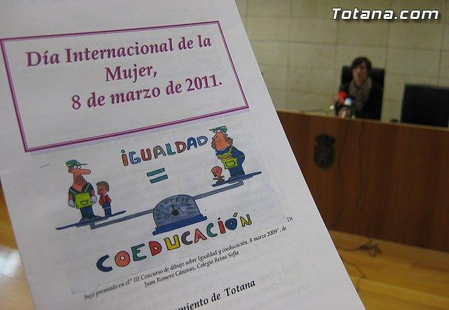 Día Internacional de la Mujer. Totana 2011, Foto 1